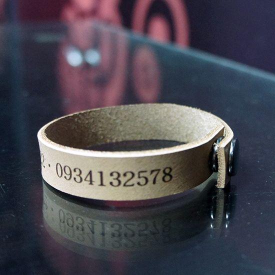 皮革手環 雕刻